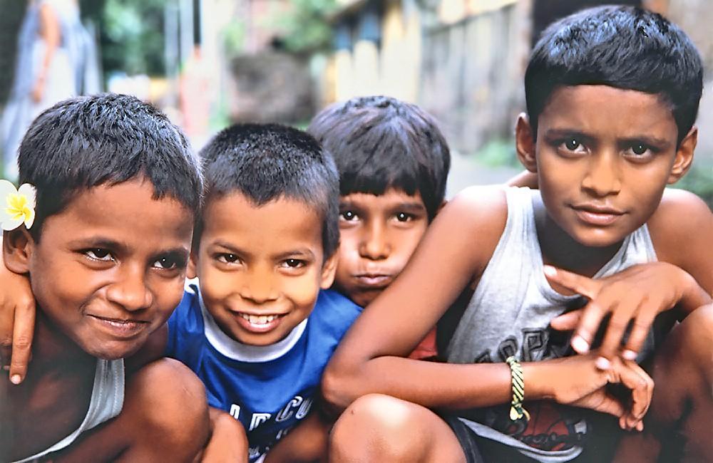 Antony, Surajit, Nooralam et Sanjay