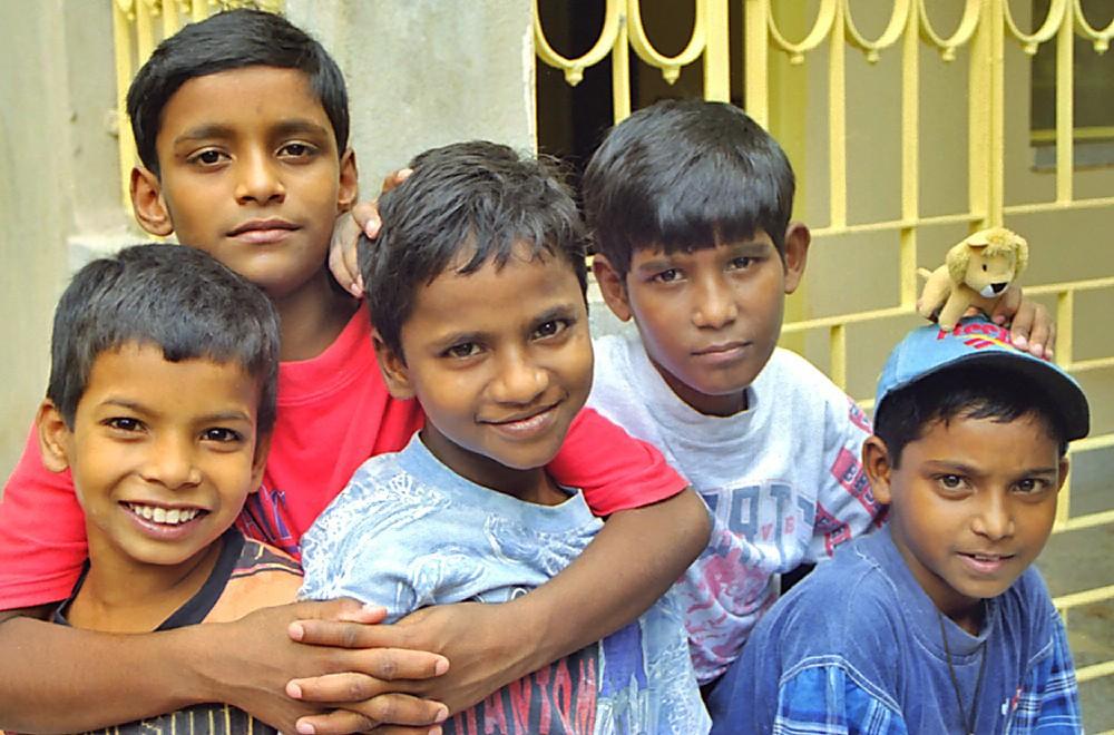 Surajit, Sanjay, Antony, Nooralam et Assim...