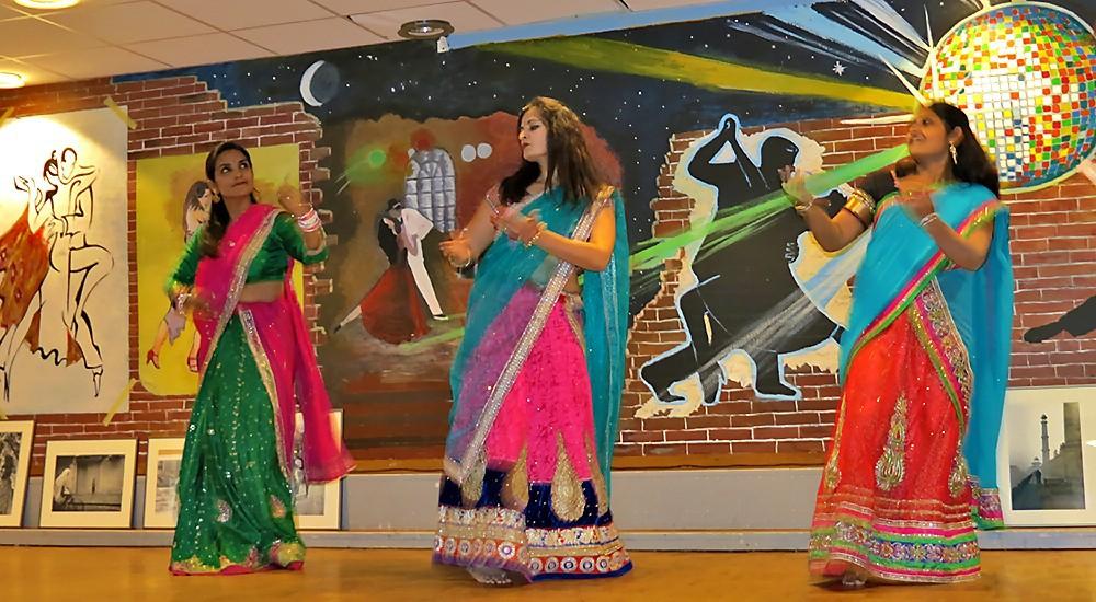 Danseuses multicolores