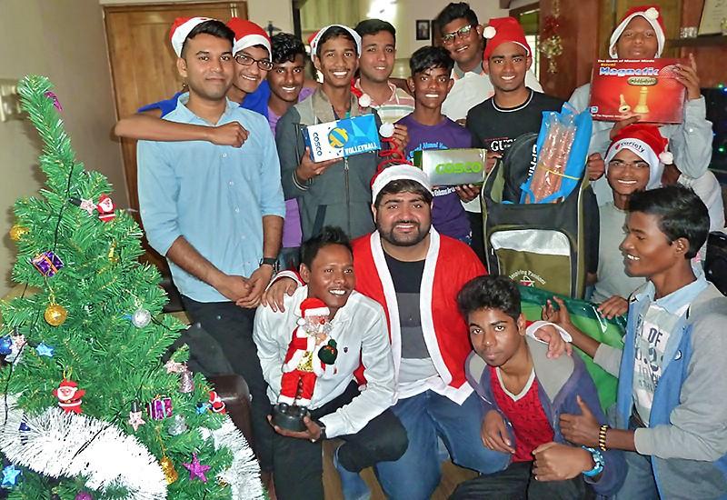 Autour de Angad, la joyeuse bande des Galopins invitée pour Noël