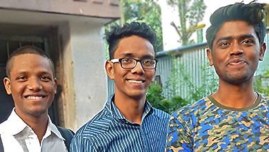 Prasenjit, Subhajit et Pratap