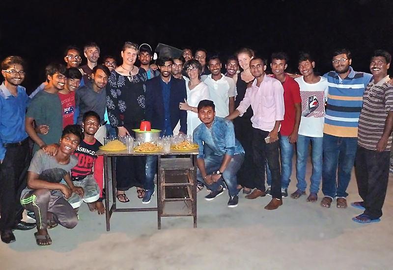 Entouré des Galopins et de ses amis, Sashi fête dignement sa licence
