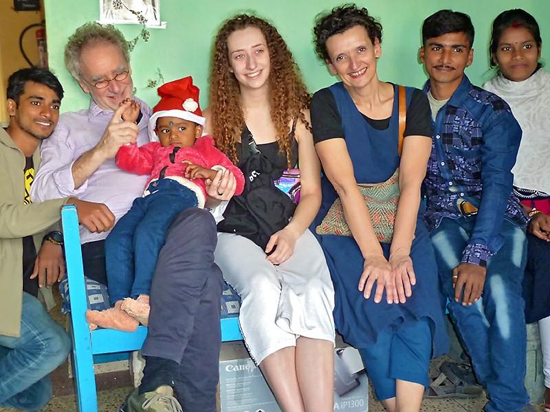 Alam en famille et avec ses parrains