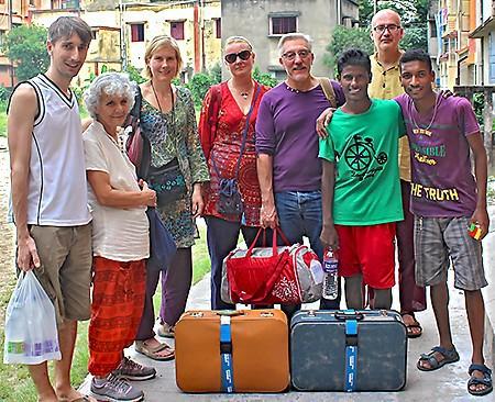 Gérald, Florence, et leurs amis..., et de lourds bagages pour les Galopins