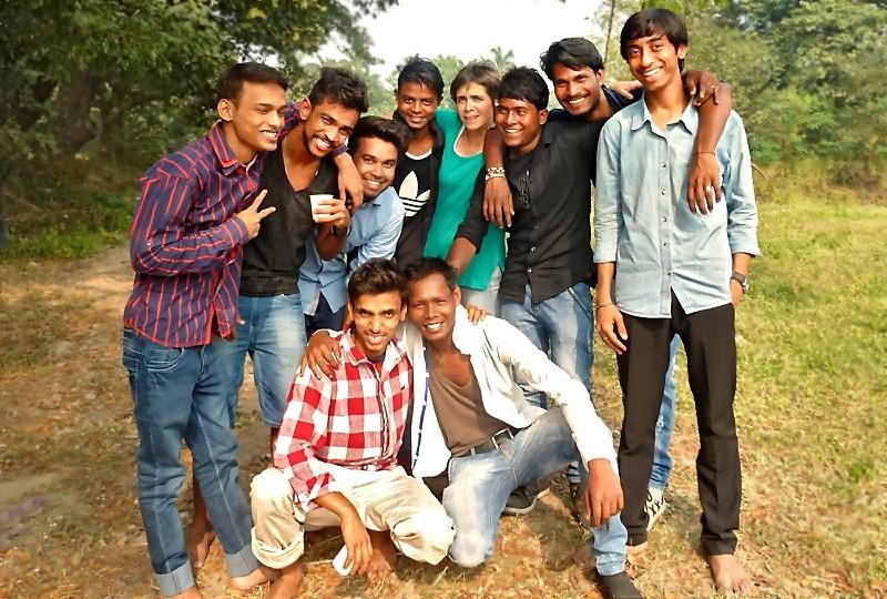 Rahul, Sashi, Mintu, Govindha, Fabienne, Sumir, Dipankar, Sushil et Abhishek et Rama