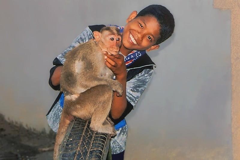 Raja et le singe