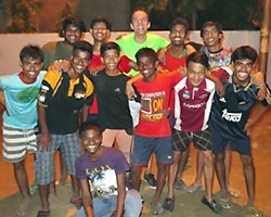 L'équipe après le match de foot de Noël