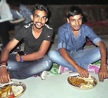 Repas: Sashi et Mongal